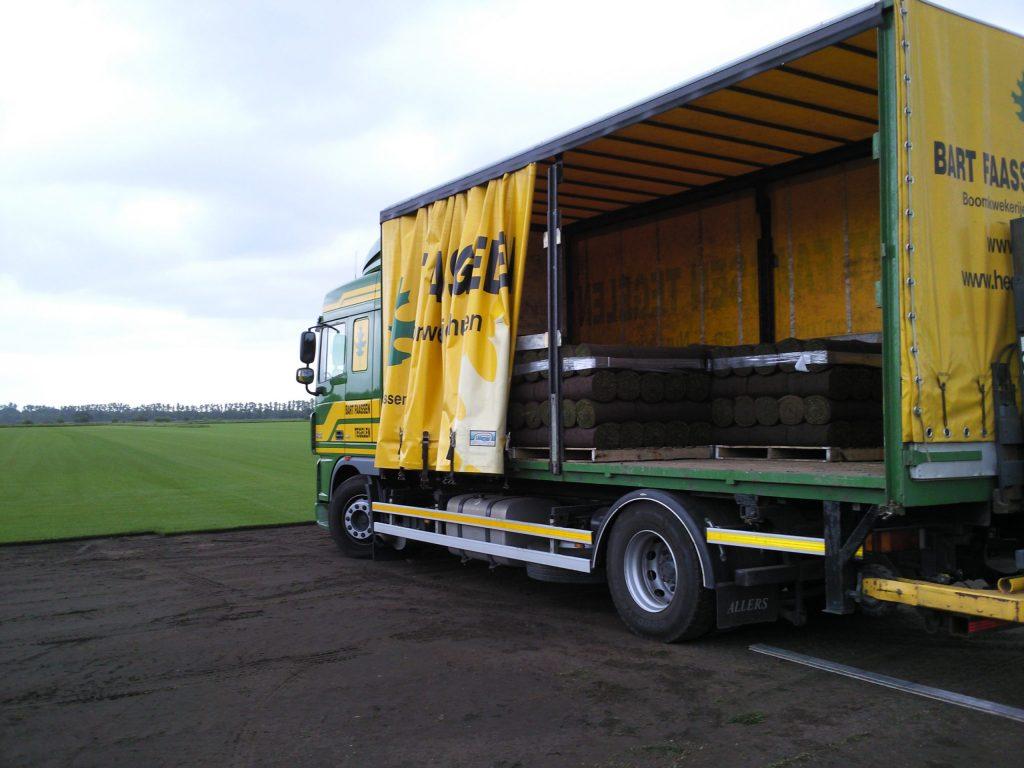 gras-vrachtwagen-scaled.jpg