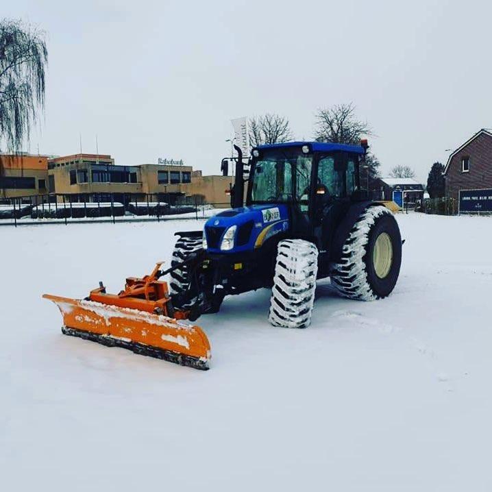 tractor-4.jpg